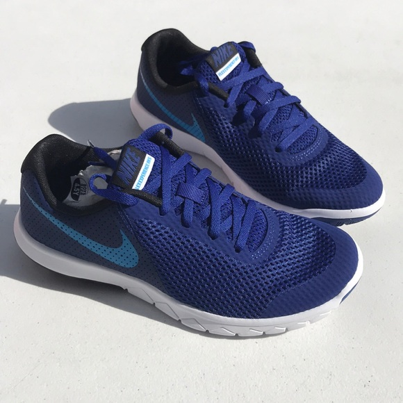 c46a38bc4f826 Nike Flex Experience 5 sneakers size 5YW blue